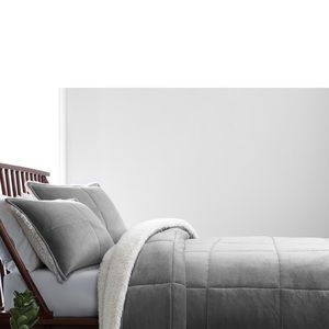 UGG NWT Blissful Quilted Fleece Comforter & Sham